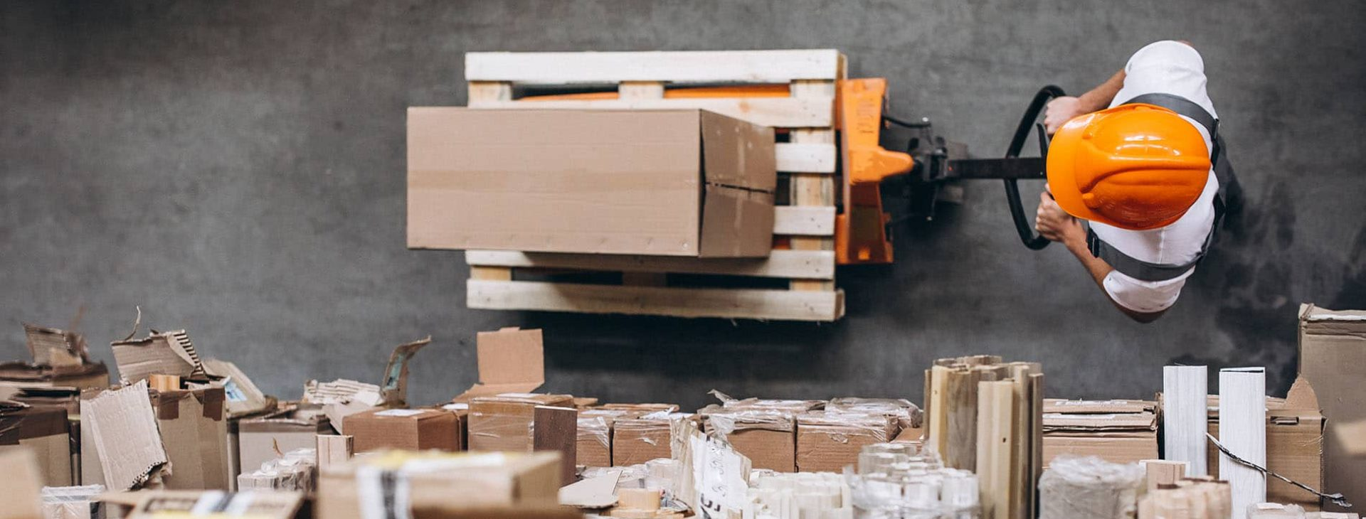 How can e-commerce business reduce logistics costs