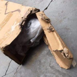 損壞的外箱